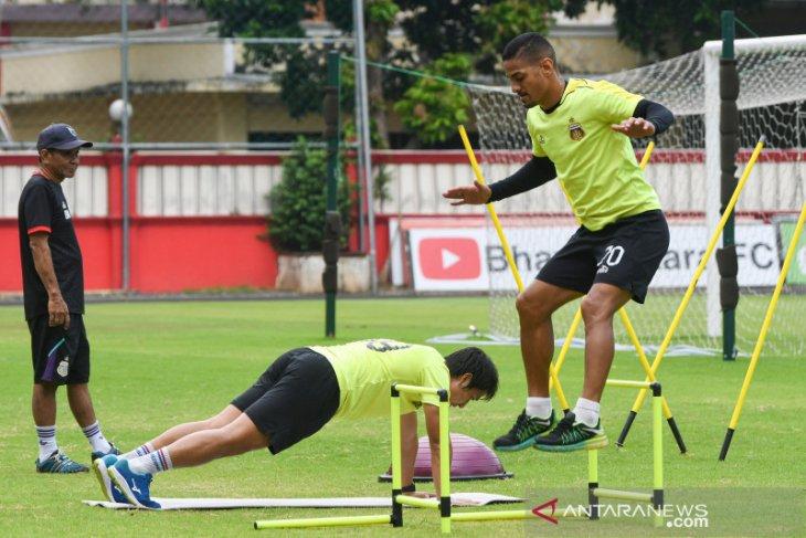 Kiper Bhayangkara FC  pesimis liga bisa dilanjutkan