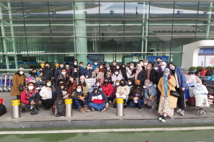 53 mahasiswa Indonesia di Wuhan wisuda di tengah pandemi COVID-19