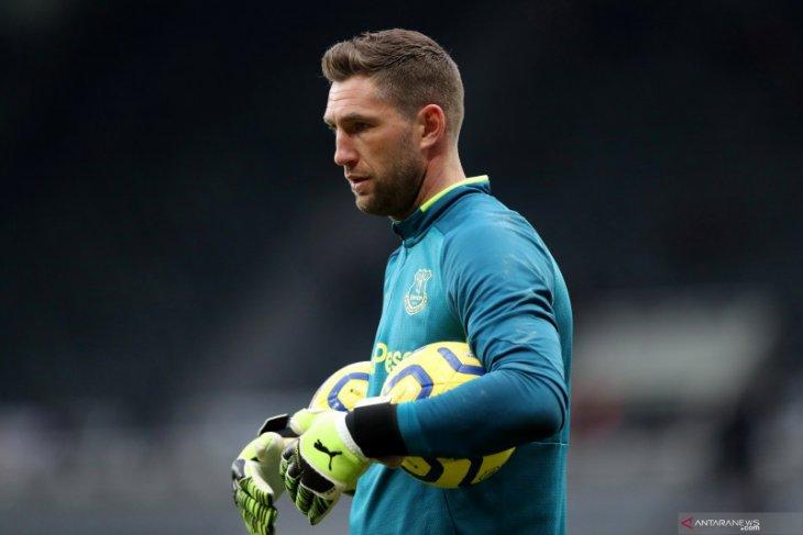 Maarten Stekelenburg tinggalkan Everton bergabung kembali dengan Ajax mulai Agustus