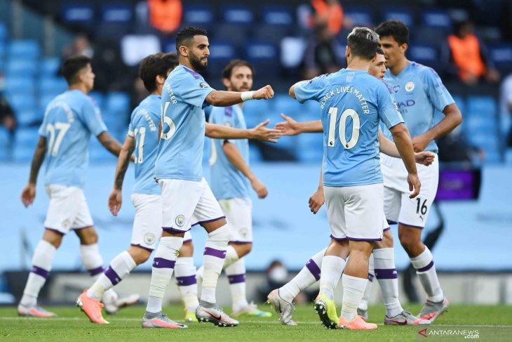 Manchester City gulung Burnley 5-0