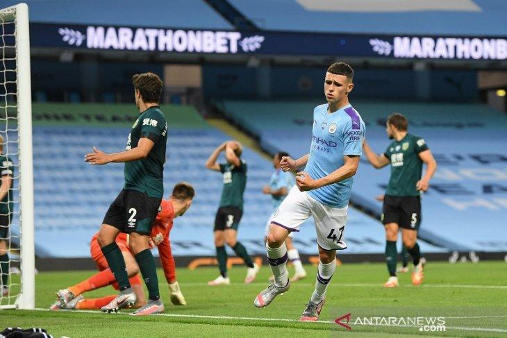 Man City gulung Burnley 5-0