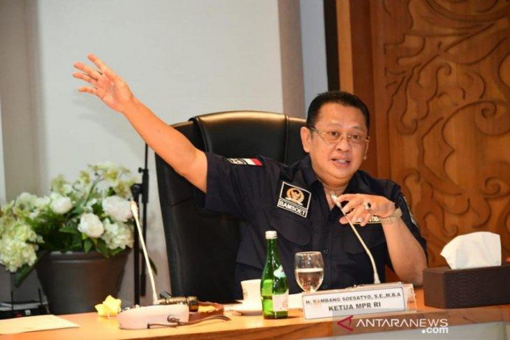 Ketua MPR Bambang Soesatyo minta pemerintah siapkan program deradikalisasi anak WNI eks-ISIS