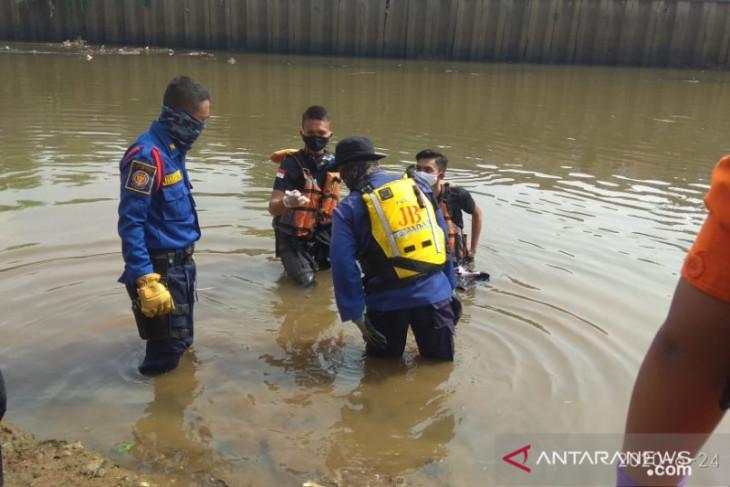 Bocah tenggelam di Pintu Air  Pesanggrahan ditemukan tewas