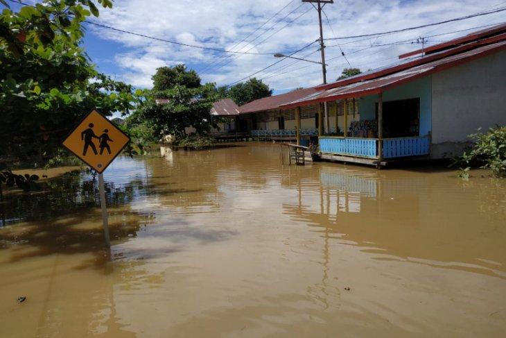 Banjir sudah genangi sejumlah daerah di Kapuas Hulu
