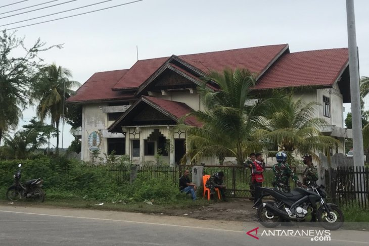 Dilarang masuk, ini tempat 94 muslim Rohingya setelah dievakuasi warga