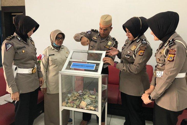 Ditlantas Polda Aceh inisiasi sedekah personel untuk COVID-19