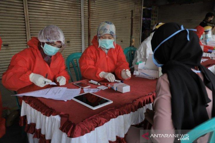 Dinkes Kota Tangerang gencarkan rapid test di RW zona merah
