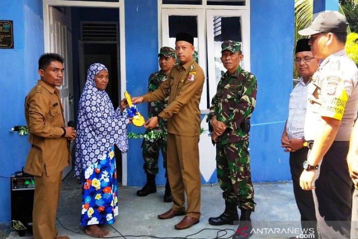 Pembangunan 102 unit rumah bantuan di Nagan Raya diduga tidak selesai tepat waktu