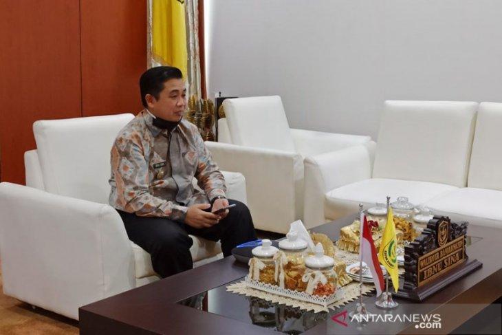 Wali Kota Banjarmasin H Ibnu Sina membuka kegiatan diskusi publik virtual