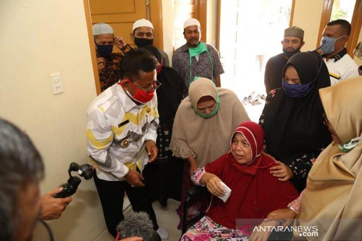 Wali kota apresiasi Tati Mutia bangun rumah korban kebakaran