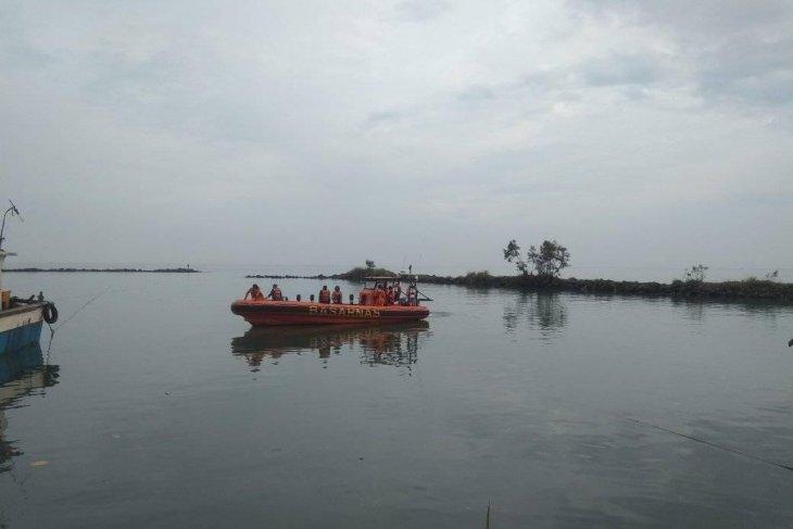 Tim SAR evakuasi jenazah mahasiswa tenggelam di Pulau Manuk