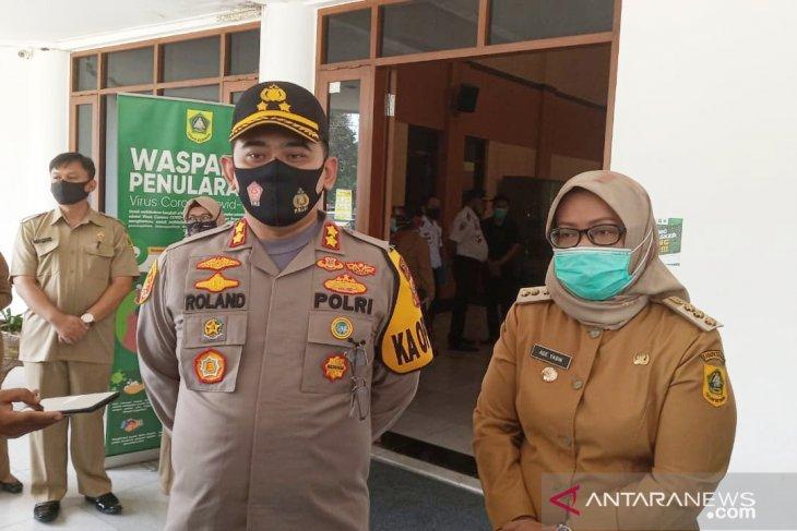 Polisi akan proses hukum Rhoma Irama yang tetap manggung di Bogor