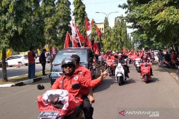 PDIP Sukabumi beri dukungan polisi segera ungkap kasus pembakaran bendera