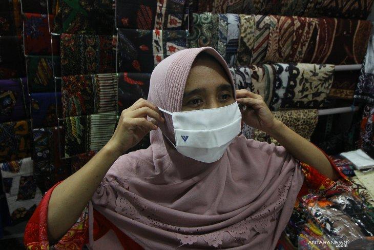 Pembagian Masker Gratis di Pasar Kapasan