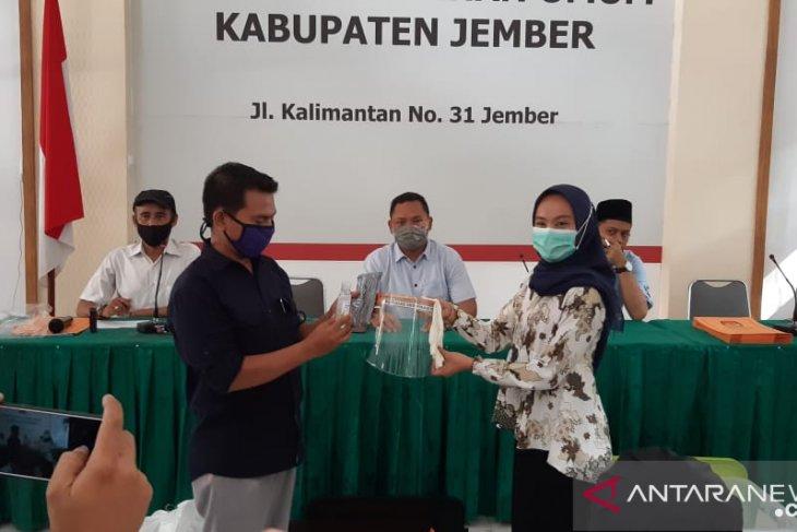 KPU Jember distribusikan APD kepada PPK sebelum verifikasi faktual bakal calon