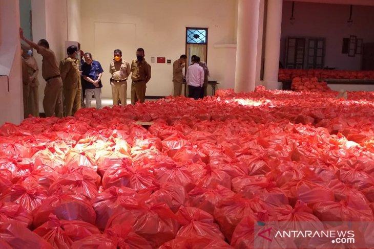 Penerima bantuan sembako di Belitung capai 10.260 KK
