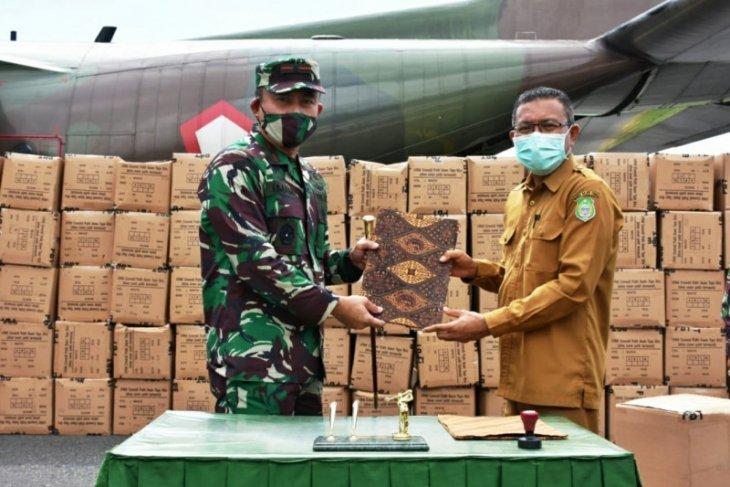 TNI salurkan 7.400 APD dan mesin bio safety di Malut