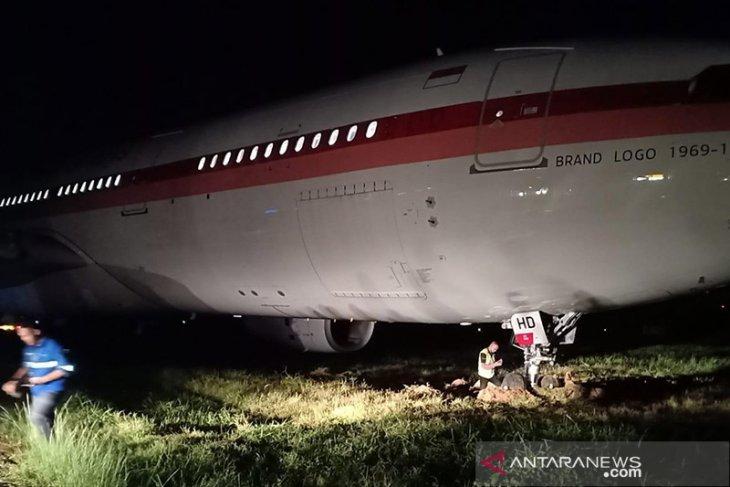 Pesawat Garuda tergelincir saat tinggal landas di Bandara Sultan Hasanuddin