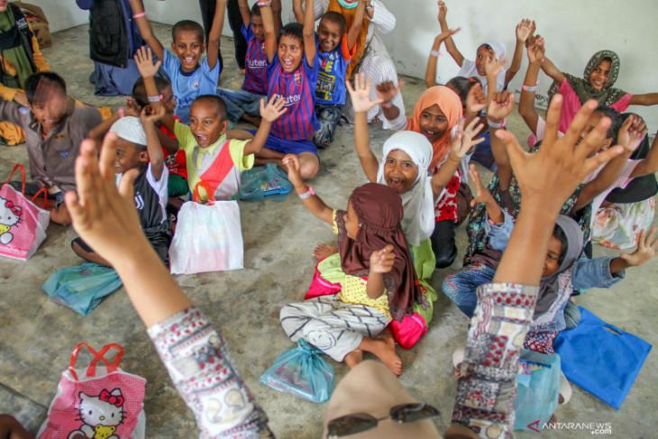 EU welcomes Indonesia's decision to help Rohingya refugees