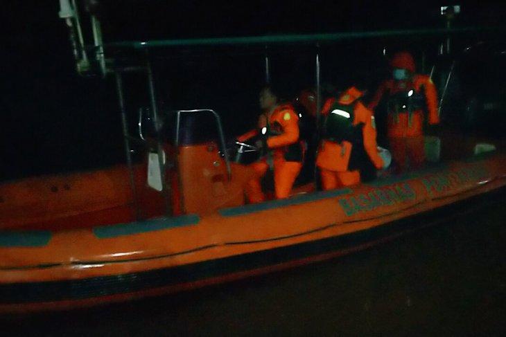 SAR Pontianak bantu cari warga diduga tenggelam di Sungai Kapuas