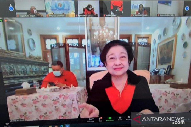 Megawati Soekarnoputri  dorong kepala daerah produksi makanan pendamping beras