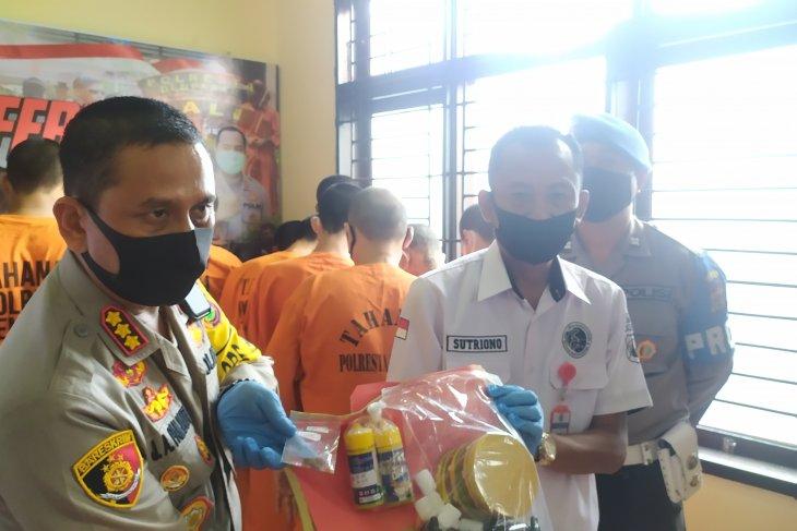 Polisi Denpasar temukan narkoba berbentuk biskuit