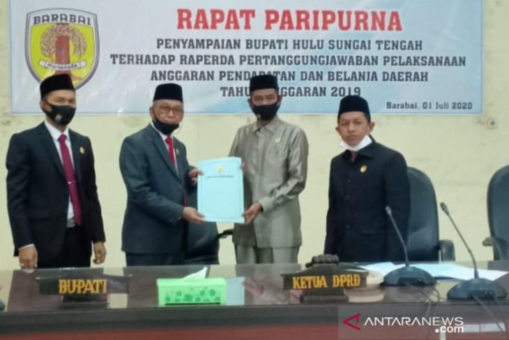 Bupati HST sampaikan Raperda pertanggungjawaban Pelaksanaan APBD 2019