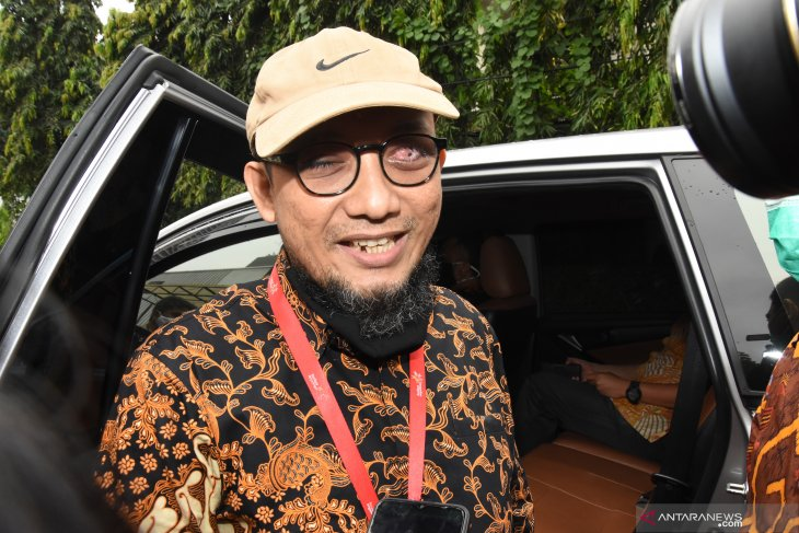 "Novel Baswedan pins no hopes on ""theatrical court"" for verdict"