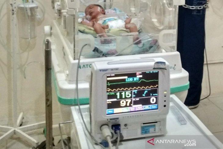 Di Kudus  bayi berusia sepekan terinfeksi COVID-19
