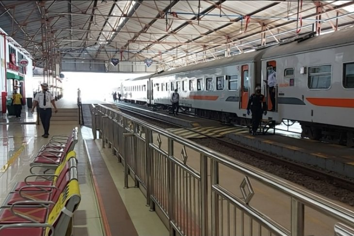 KAI Daop Madiun kembali layani penumpang kereta relasi Jakarta-Surabaya