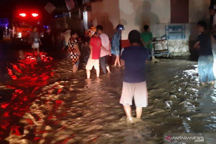 4.141 korban banjir padati 12 titik pengungsian di Kota Gorontalo