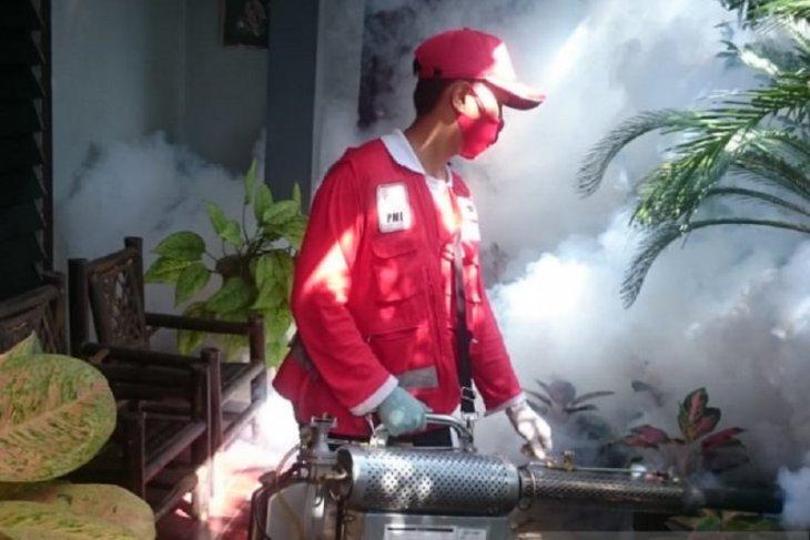 PMI Jember lakukan fogging cegah DBD saat pandemi COVID-19