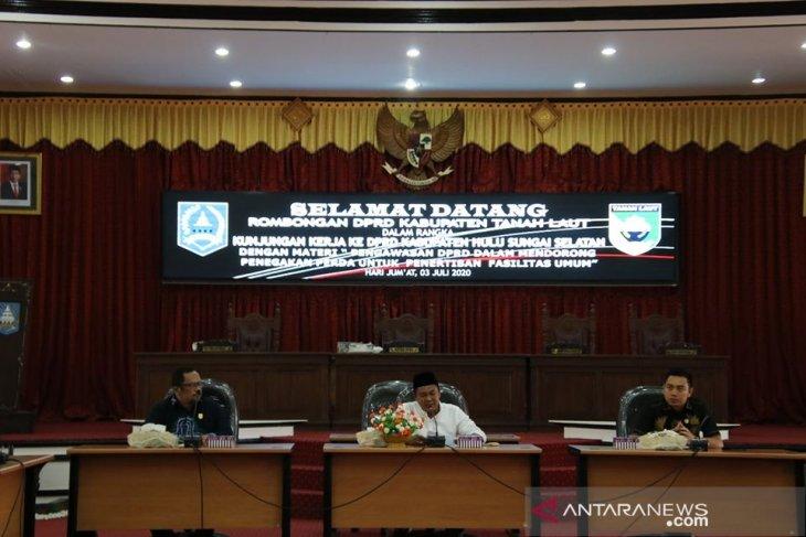 DPRD Tala belajar pengawasan penegakan perda penertiban fasilitas umum ke HSS