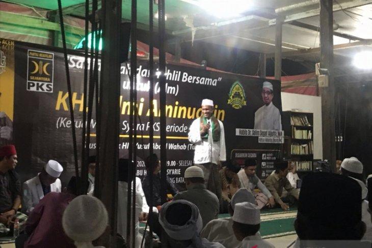 PKS Aceh dan santri tahlilan untuk Hilmi Aminuddin