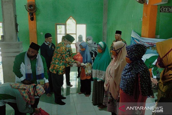 Baznas salurkan bantuan untuk warga pulau terluar di Bengkayang