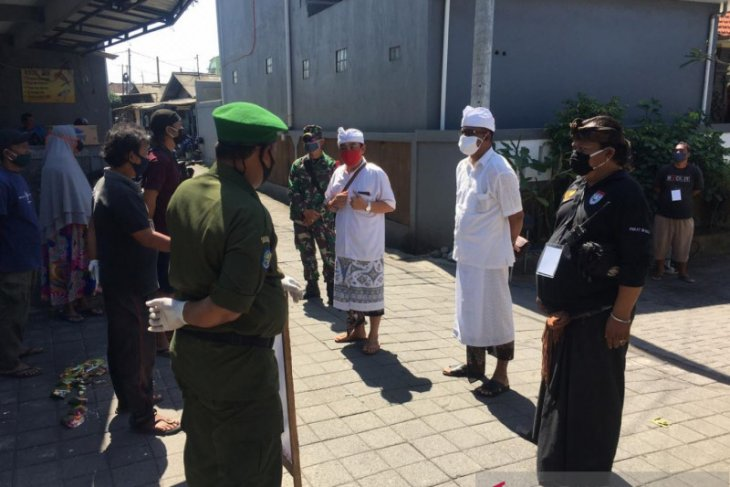 Kelurahan Ubung-Denpasar terapkan PKM mandiri cegah COVID-19