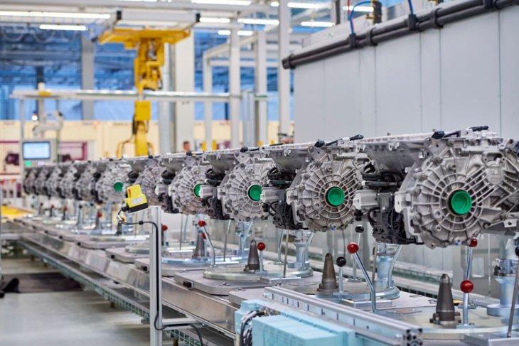 Di Jerman, BMW tingkatkan kapasitas pabrik mobil listrik