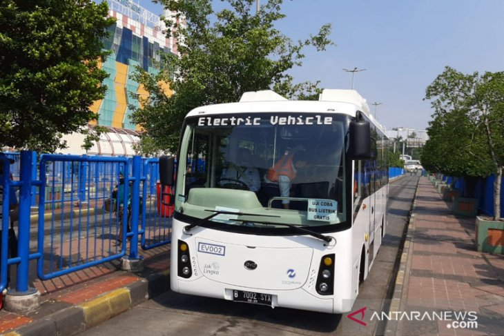 TransJakarta plans to start operating 100 electric buses by 2020-end