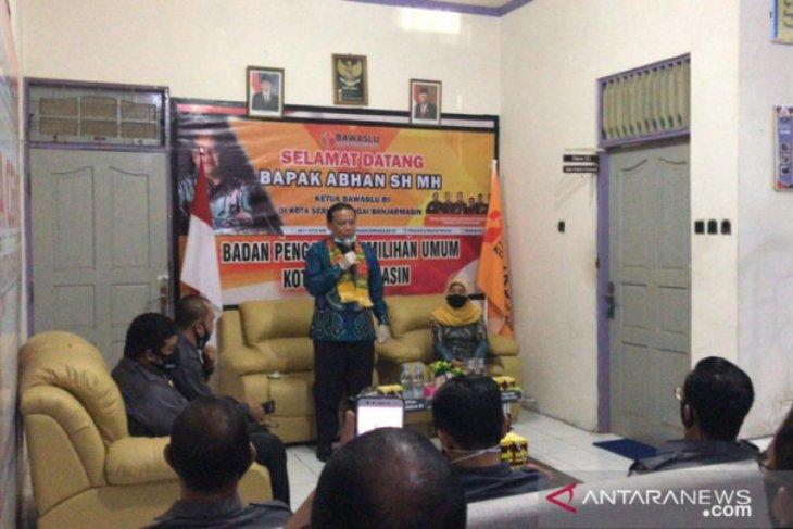 Ketua Bawaslu  ingatkan petahana jangan politisi bantuan COVID-19