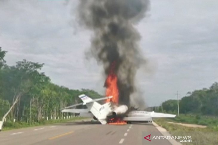 Polisi  tangani kasus pembakaran pesawat MAF di Bandara Pagamba