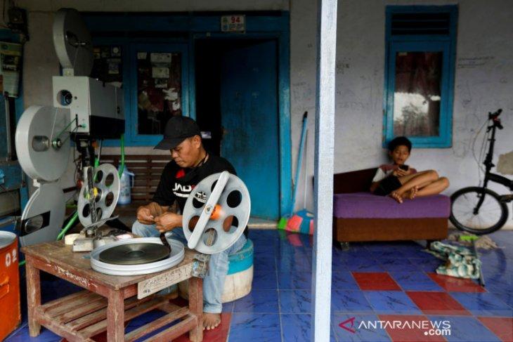 Pandemi COVID-19 beri guncangan besar industri film Indonesia
