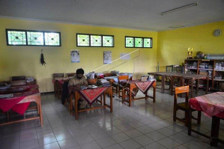 Sekolah swasta kekurangan siswa