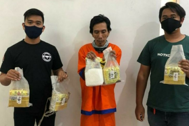 Polisi Jatim sita 5,3 kilogram sabu-sabu dikemas bungkus teh impor