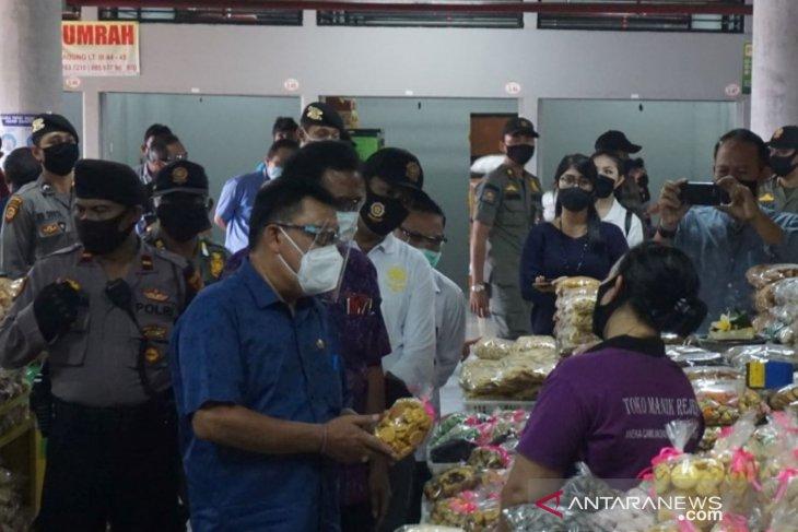 Gugus tugas Denpasar meninjau pasar rakyat jelang normal baru