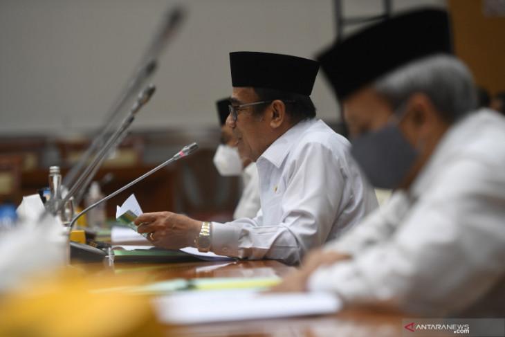 Menag Fachrul Razi mengingatkan agar protokol kesehatan dijalankan saat Idul Adha