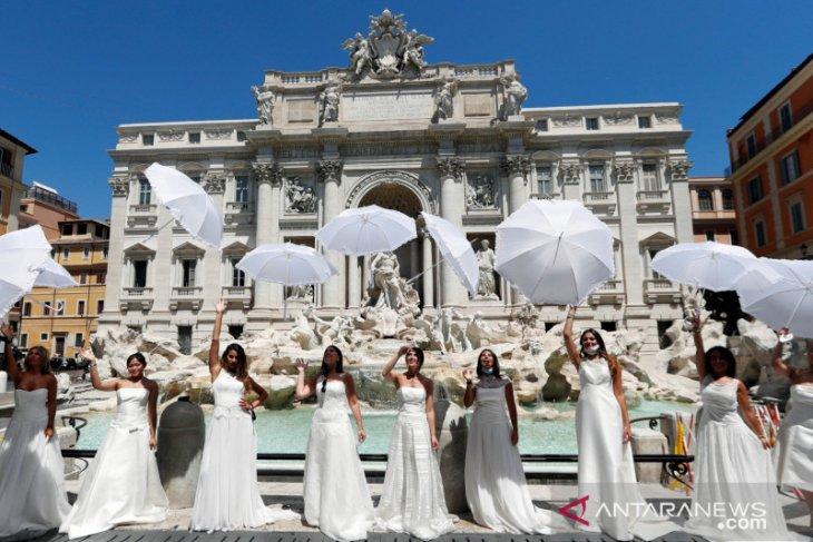 Khawatir soal virus corona, Italia larang masuk wisatawan 13 negara