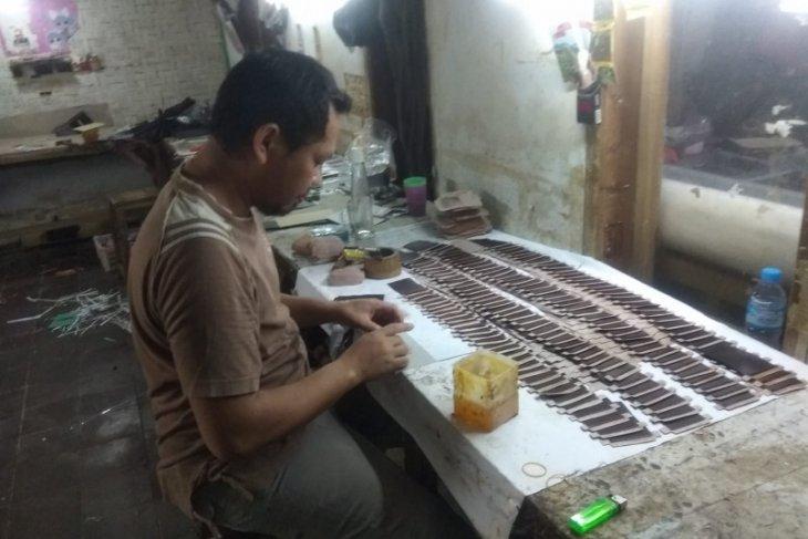 Kerajinan dompet di Kabupaten Lebak kembali bangkit