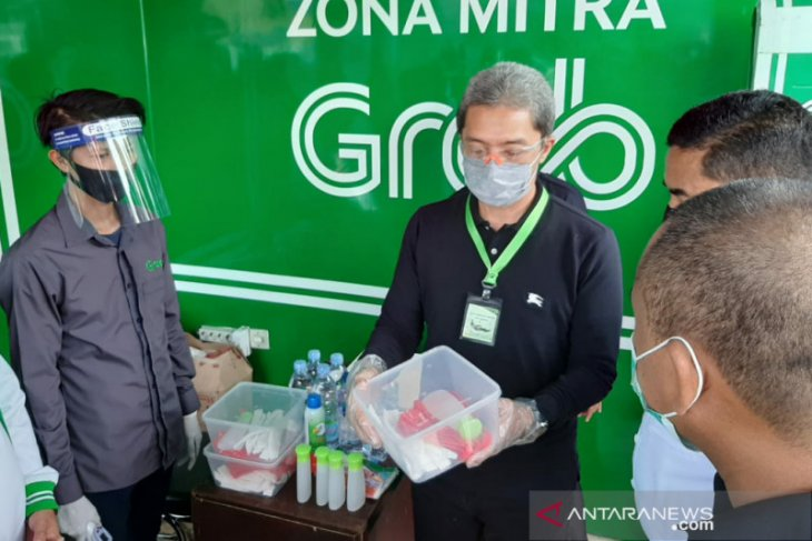 Dedie A Rachim tinjau fasilitas 'cleaning station' pastikan protokol kesehatan ojol di Kota Bogor
