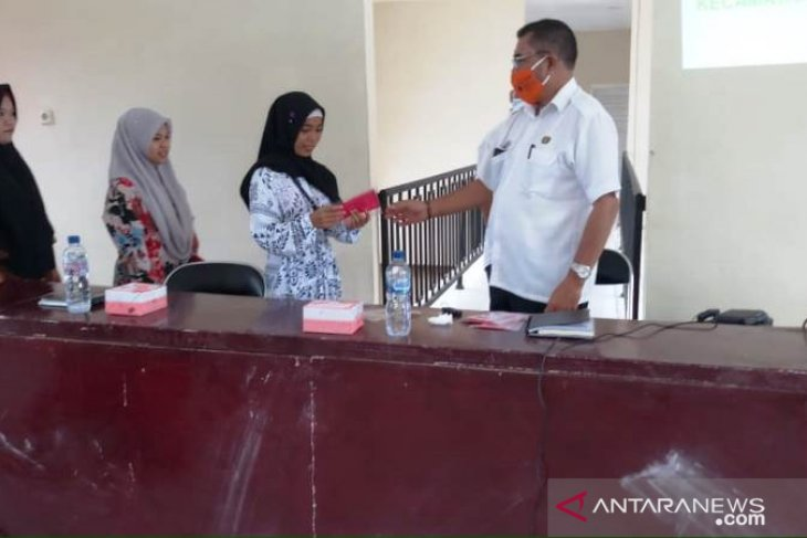 Hadapi normal baru, Camat Batang Toru imbau petugas perpustakaan patuhi protokol kesehatan