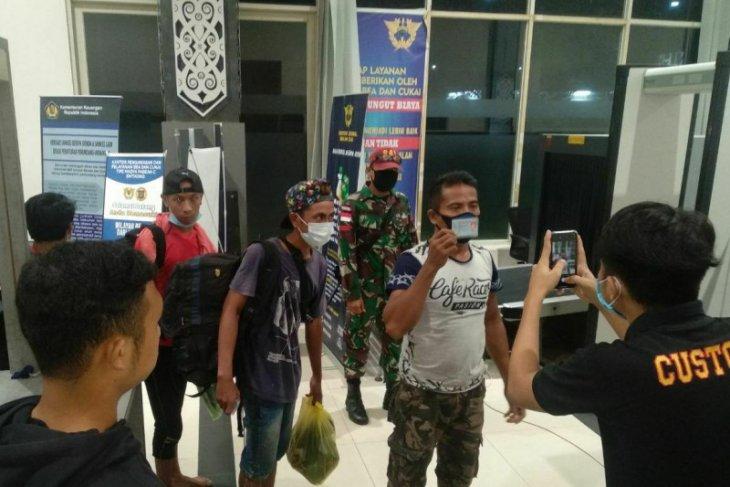 TNI amankan 39 pelintas ilegal di perbatasan Kalbar